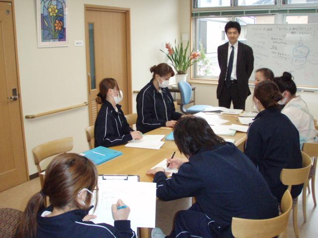 2012年4月6日に行なわれた、クレドリーダー研修会の様子です。